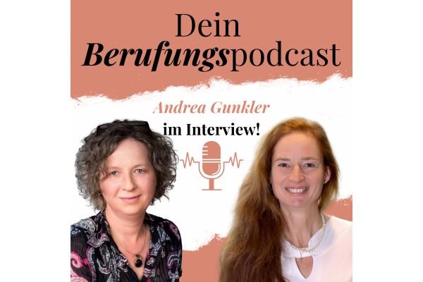 Episode 17 – Wie Andrea, nachdem sie gegen ihre innere Natur gelebt hat, mit Mitte 40 ihre Berufung als Autorin gefunden hat!